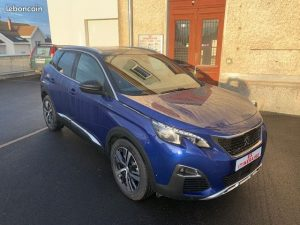 ES ITINERAIRE vous propose Une Peugeot 3008 Gt line pure tech 180 eat8 Kilométrage : 10 km Couleur : bleu magnetic Mise en circulation : 10/2019